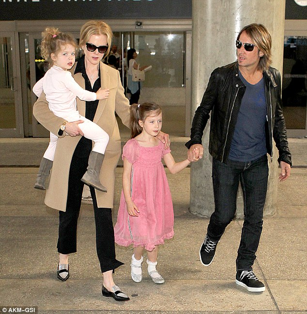 Nicole Kidman with her family