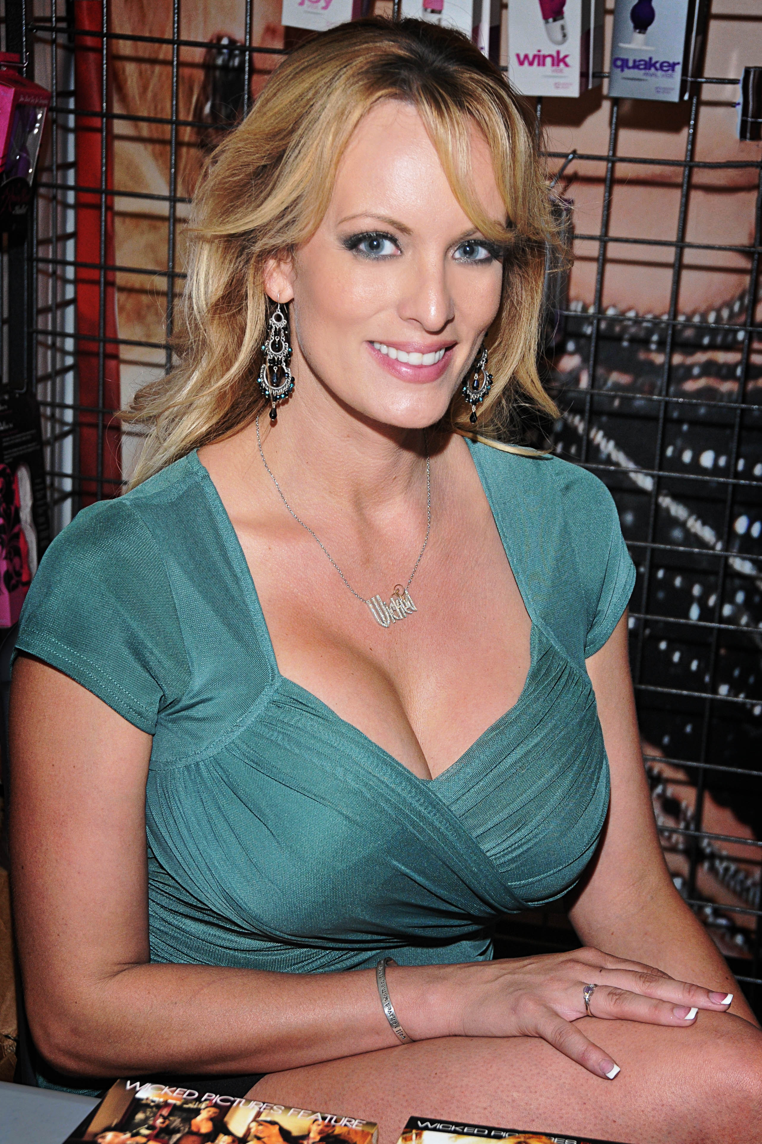 Stormy Daniels Bio, Age, Height, Weight, Career, Net Worth ...